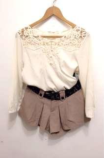 🚚 兩件組:蕾絲上衣+50%蕾絲腰帶褲裙。