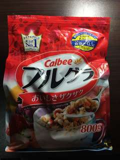 Calbee 水果麥片