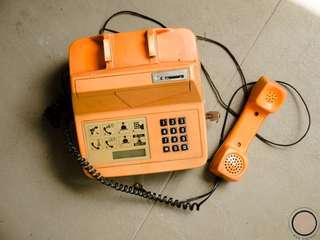 EC004 Singapore signature orange public phone