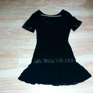 🚚 Sake黑色短洋裝