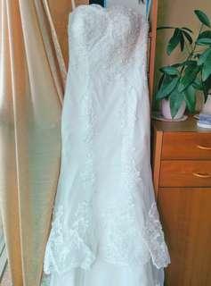 婚紗魚尾拖地