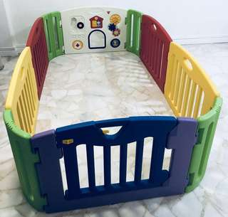 Musical Kid'sLand Play yard with 2 additional extension panels