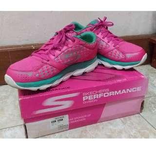 Running Shoes Sepatu Lari Skechers GoRun2