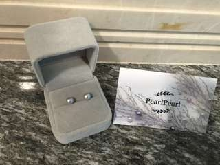 [天然珍珠]Pearl Pearl 母親節精選 罕有 灰色正圓珍珠耳環  優惠價$208起