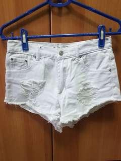🚚 Someone夏日刷破白色短褲27腰