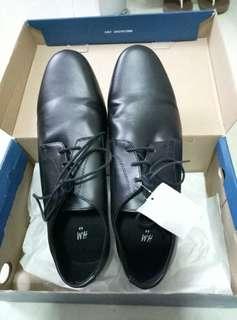 皮鞋43size