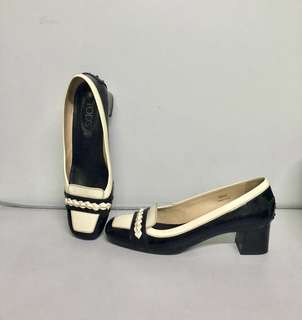 Tod's Ladies shoes (size 38 1/2)