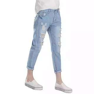 2018春夏季薄款寬鬆破洞牛仔褲