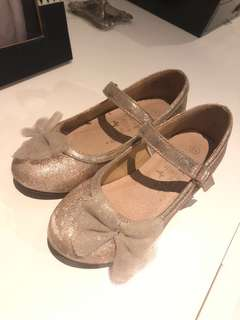 Accessories glittery shoes size 10 (4 yrs) with little heel