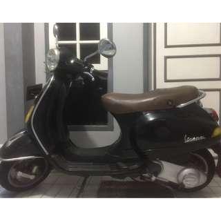 Jual Piaggio Vespa LX 150 tahun 2011 Hitam/Black