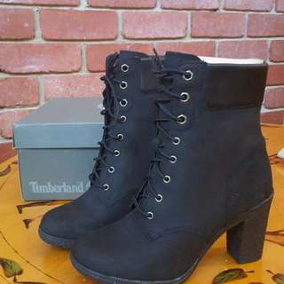 Timberland Black Glancy 6-inch Heeled Boots Size 7