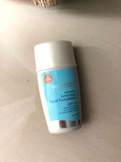 Wardah Luminous Liquid Foundation shade 04 natural