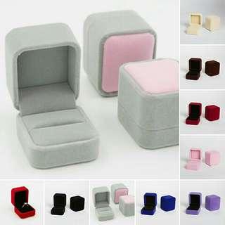 Vintage Velvet Wedding Engagement Ring Pendant Jewelry Display Boxes Organiser