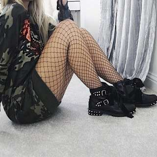 [PO] Fishnet Tights and Ankle Socks