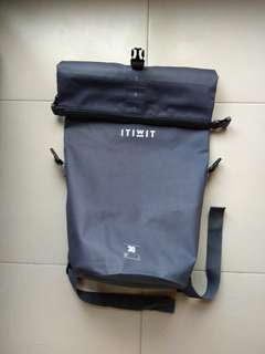 Water proof bag 30L (Used Once)