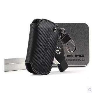 🚚 賓士碳纖維鑰匙皮套 Benz AMG 碳纖維 磨砂麂皮 鑰匙包 鑰匙圈 鑰匙皮套 GLA GLC CLA c300 45