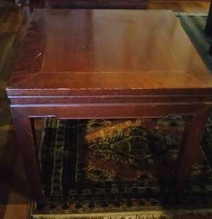 Side coffee table. Free to view.