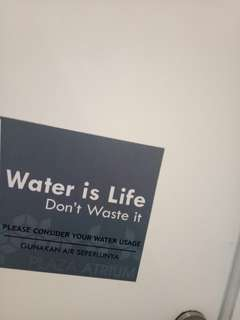 Stiker water is life
