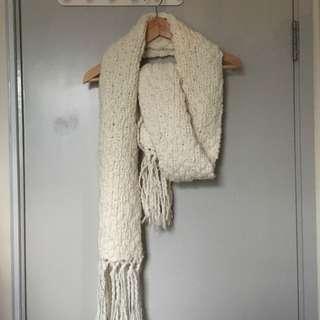 White scarf 白色長頸巾