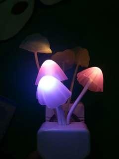 Lampu tidur jamur LED