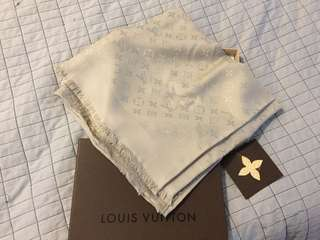 Louis Vuitton monogram shawl beige