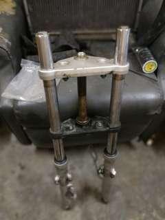 Fork /triple clamp jaguh