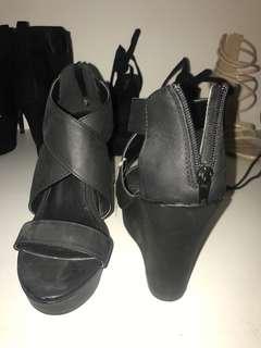 Women's black wedges