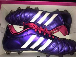 Women's outdoor footy boots size 10