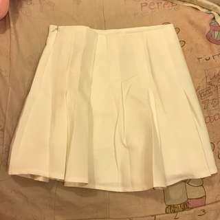 🚚 白色百折小短裙