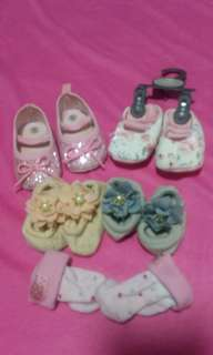 Newborn sock n shoes