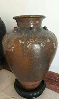 Guci antik asli