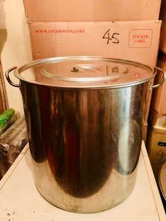 Stainless Steel Cooking Pot (used)