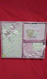 Max Kool Baby Girl Gift Set