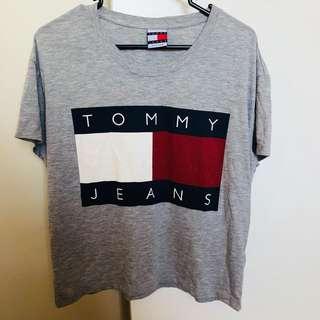 Vintage Tommy Hilfiger tshirt