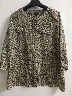 Long sleeves blouse with safari print