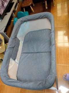 BB 床 (可摺,用作旅行用) - 9成新