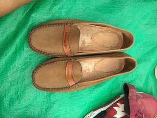 Sepatu seken singapur