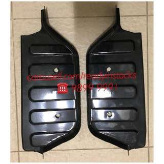 Toyota Hiace - Regiusace Van Front Door Foot Step Broad Black Steel Plate / Hiace Accessories