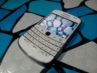blackberry bold 9900 touch n type