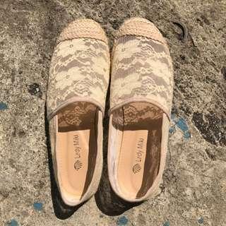 🚚 蕾絲懶人鞋23.5