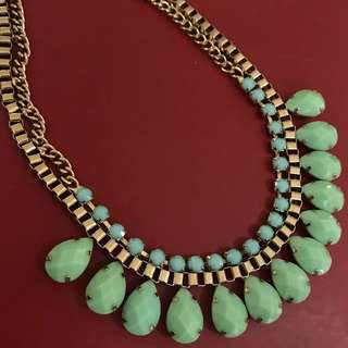 F21 green necklace