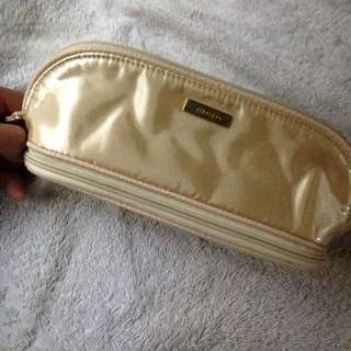 MAKE-UP POUCH/ ORGANIZER