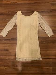 Long sleeved lace top