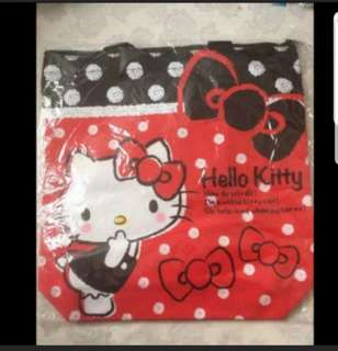 In stock hello kitty tote bag shoulder bag size is 35 × 9 × 38cm