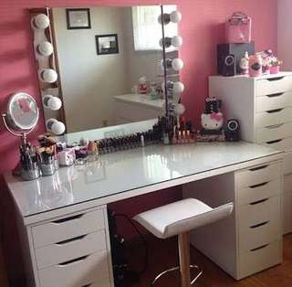 Vanity table, mirror and drawer set