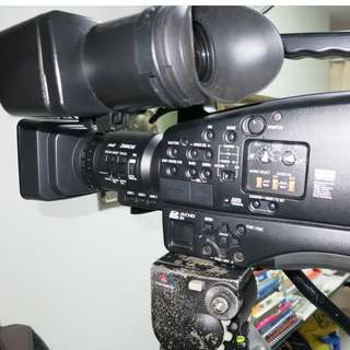 Urgently selling used video camera
