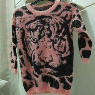 Fur Sweater Pink-Black (halus,nyaman,great condition!)