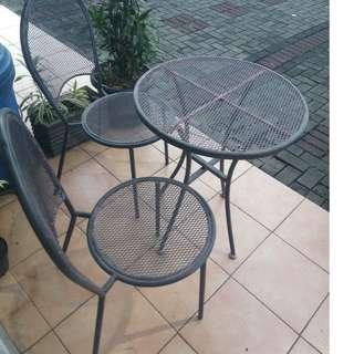 Meja 2x Kursi + Payung