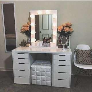 Vanity table set