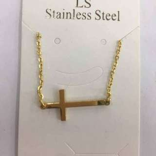STAINLESS GOLD NECKLACE WITH PENDANT